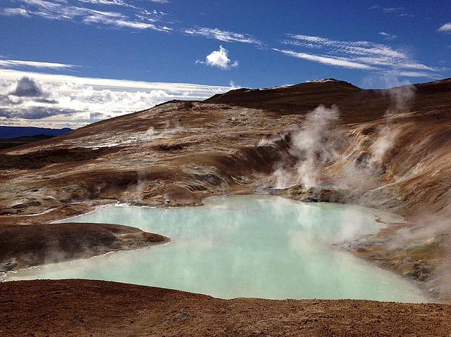 volcano-1644524_640