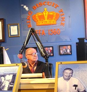 Sonny Payne broadcasting King Biscuit Time