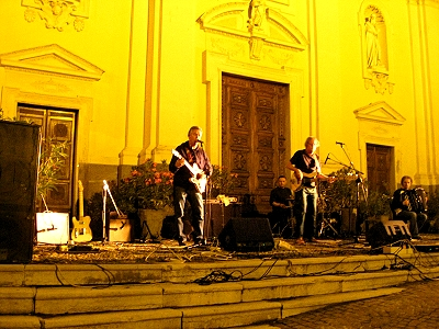 Concert on the steps of a church!
