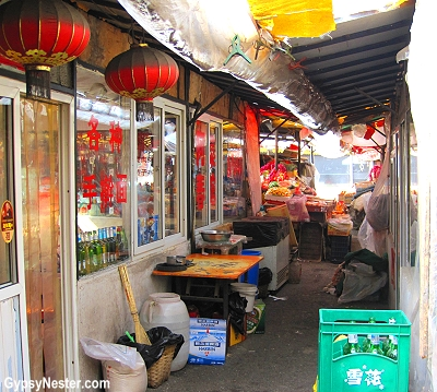 A hidden marketplace in Dalian, China
