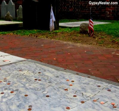 Benjamin and Deborah Franklin's grave in Philadelphia