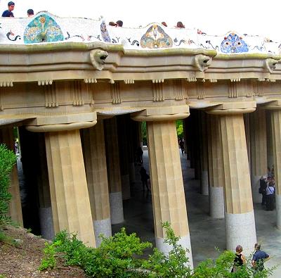 Forest of Romanesque columns, Park Guell