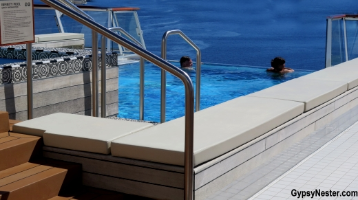 The infinity pool and hot tub aboard Viking Cruises Star