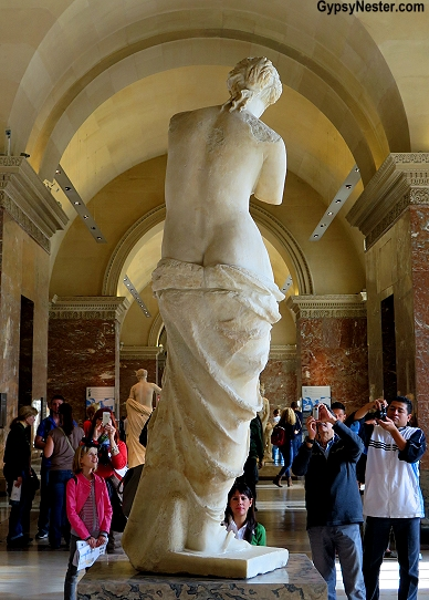 What Venus de Milo sees at the Louvre in Paris