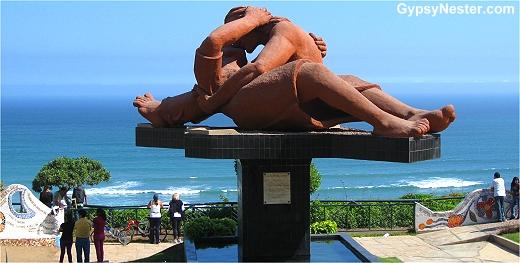 The Kiss in Parque del Amor in Lima Peru
