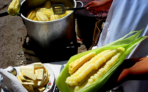 Choclo con queso in Peru