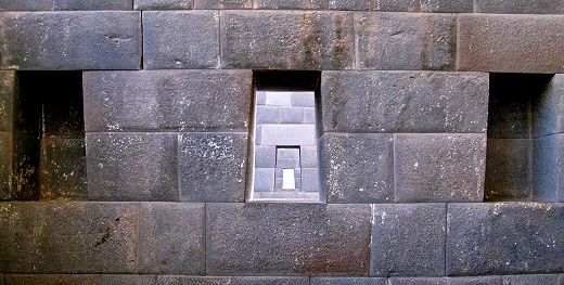 Window and niches in the Temple of the Sun God, Cusco, Peru