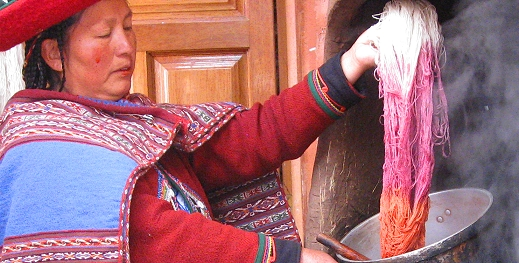 Dying wool in Peru