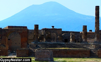 The Temple of Jupiter with Mount Vesuvisus in the background