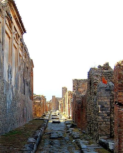 Roads in Pompeii doubled as sewers, so sidewalks were made much higher than modern ones, and periodically large stones were placed in the middle of streets to use as crosswalks