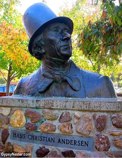 The statue of Hans Christian Andersen in Solvang, California