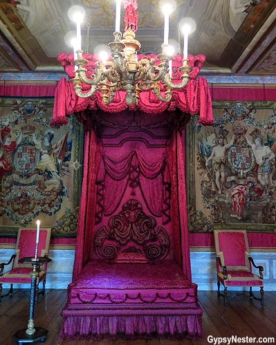 King Willhem III often worked from his bed chamber at Paleis Het Loo in Holland, The Netherlands